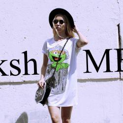 Dress t-shirt overseas