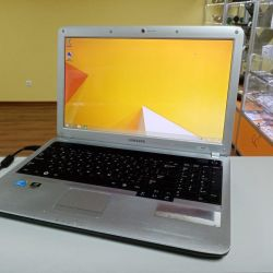 Notebook Samsung R530 i3 2nd / 4GB / 320GB / win8