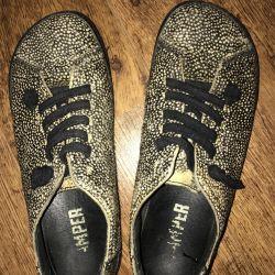 Υποδήματα παπούτσια