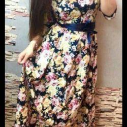 44-46 s çiçek yeni parlak elbise.