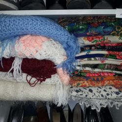 Tippets, scarves, mittens