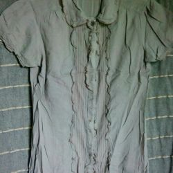 Shirt size 42