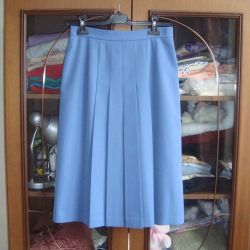 Skirt pleated 46 on the lining. Length 63