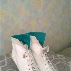 Μπότες από Corsa Coma, μεγέθους 38