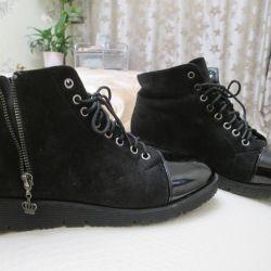 Women's shoes, black, spout varnished