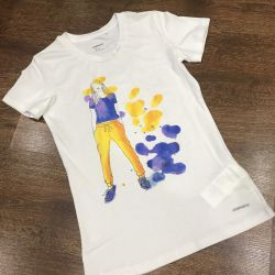 T-shirt (exchange is possible)