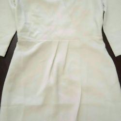 Ένα νέο φόρεμα. 44-46