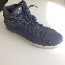 Καπουράλ παπούτσια (νέο πρωτότυπο)