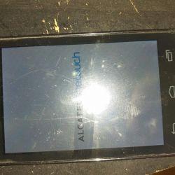 Мобильный телефон Alcatel рабочий но  лагет