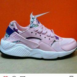 Продам кроссовки найк, Nike
