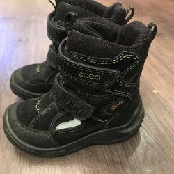 Ecco boots, p 25