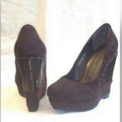 Туфли замш коричневые на 37 размер новые