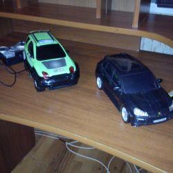 Radio-controlled cars, each 600