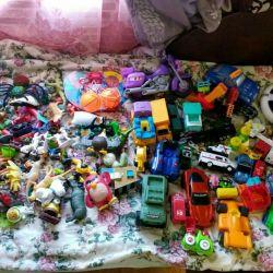 Çocuk için iki paket oyuncaklar
