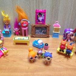Dolls and furniture.