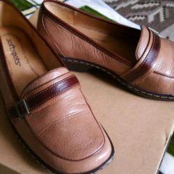 Νέα φυσικά παπούτσια 37r