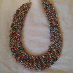 BEAD NECKLACE.