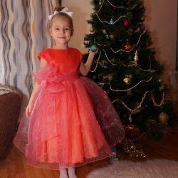 Платье нарядное с перчатками 🎀