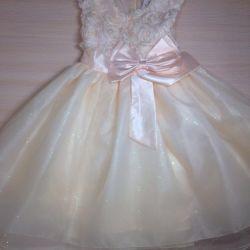 Ошатне плаття для дівчинки