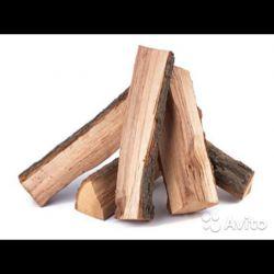 Chipped oak firewood