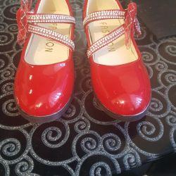 tatil için çocuk ayakkabıları