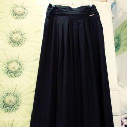 New skirt length. 48 size.