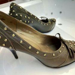 Pantofi 39r.