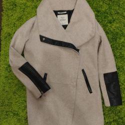 Bershka 42-44 coat
