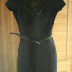 New Dress with a beautiful lace insert, 42r