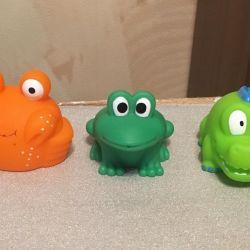 Jucării noi pentru baie