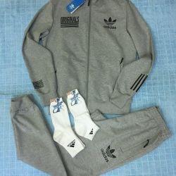 Спортивные костюмы adidas, унисекс, новые