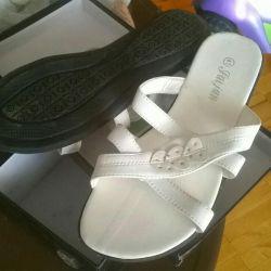 Sandale (clogs) noi