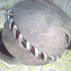 Зимняя женская шляпа