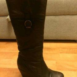 Demi-season boots. Leather