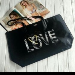 Модная сумка с 3D принтом Love.
