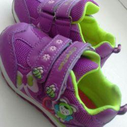 Кроссовочки детские