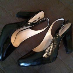 Sandals tso
