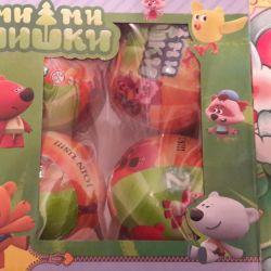 Mi Mi Bears in a surprise ball