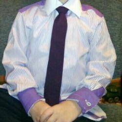 Kravatlı gömlek