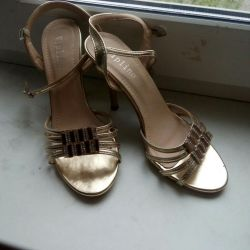 Sandals of golden color, size 38