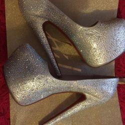 MEGA Stylish Slippers ?