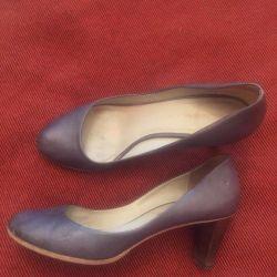Κοστούμια εθνικά δερμάτινα παπούτσια