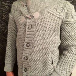 Fashionable sweater
