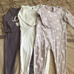 Θα πουλήσω τρεις πιτζάμες