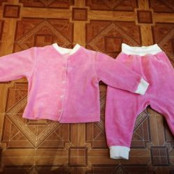 Tracksuit for a girl 1-1.5 years old