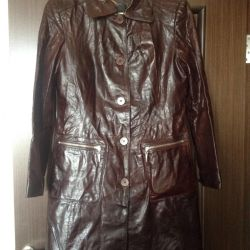 Δερμάτινο παλτό μεγέθους 48-50
