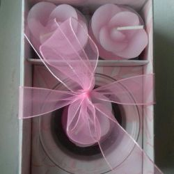 A set of gift candles.