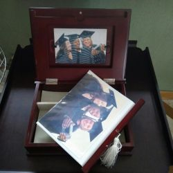 Ξύλινο άλμπουμ - κουτί για αποφοίτους
