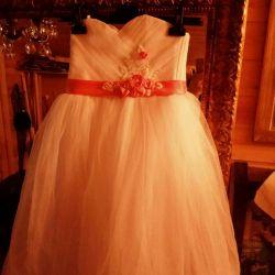 Λευκό κομψό φόρεμα μέχρι 140 εκ