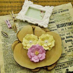 # 33Ц - A set of handmade flowers.
